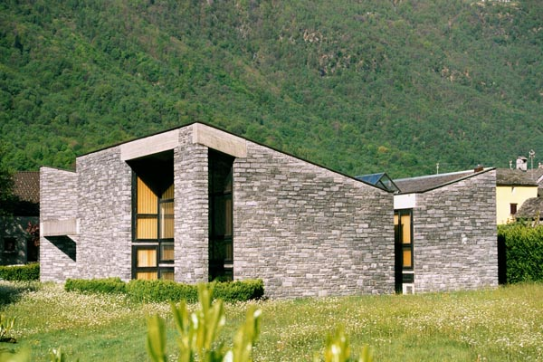 Mario Botta, Casa unifamiliare, Maggia, Svizzera - Immagine © vitruvio.ch