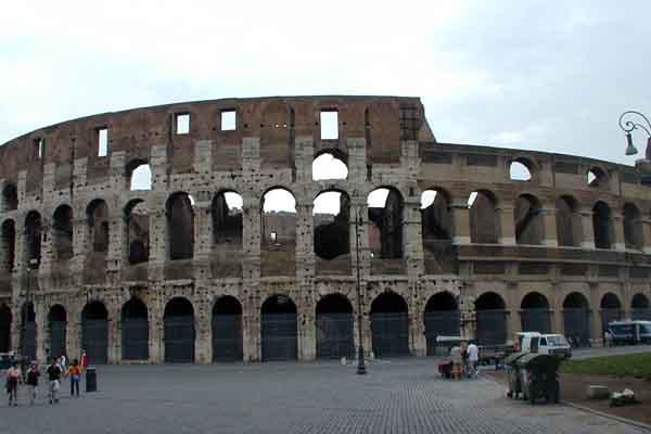 Colosseo, Anfiteatro Flavio, Roma, Italia - Immagine © vitruvio.ch
